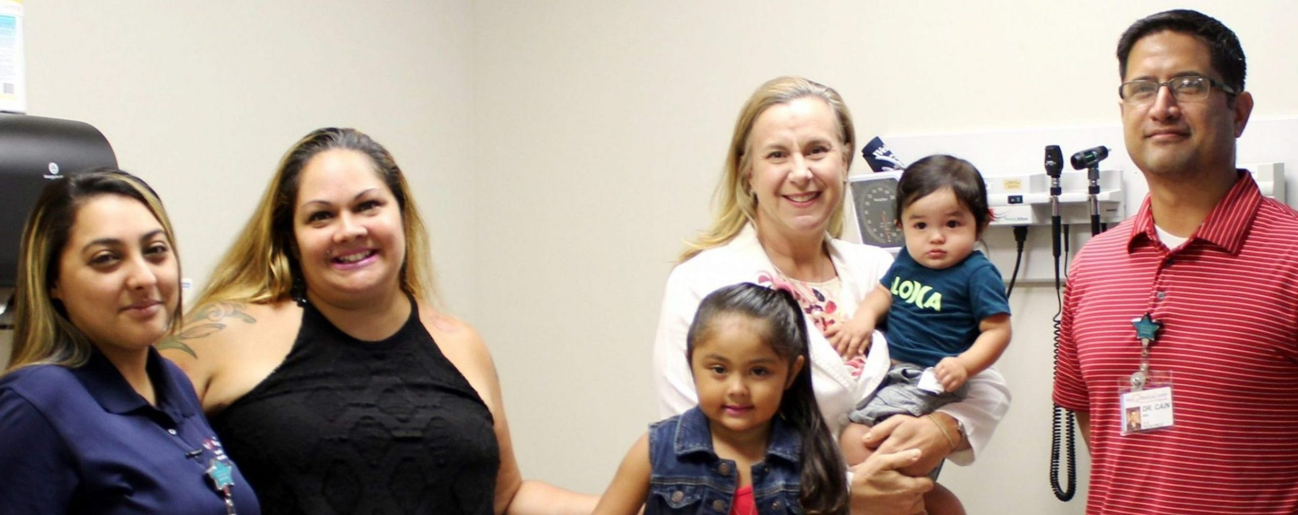 (left to right) Briana Militante-Kawaiea, Outpatient Clinical Assistant, Carla Morton, her daughter Sophia and son Callen, Dr. Jennifer Walker and Dr. Miki Cain.